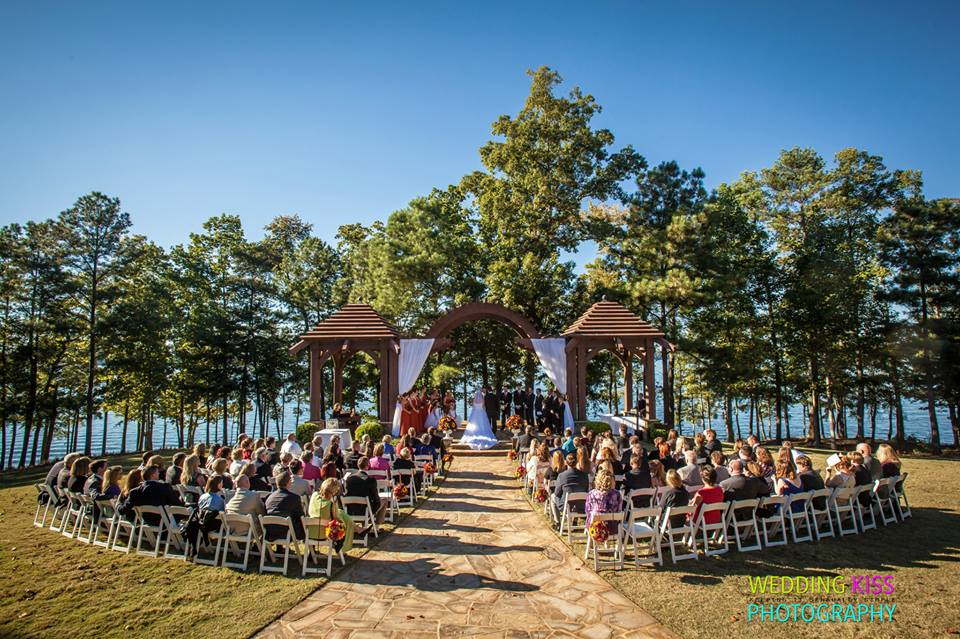 Lake lanier wedding jennifer mccoy blaske Places to have a fall wedding