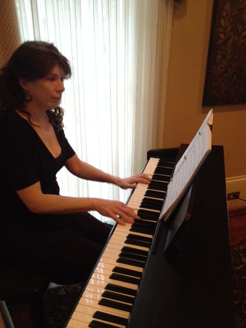 Flint Hill Wedding in historic Norcross Atlanta musician Jennifer Blaske playing piano for cocktail hour