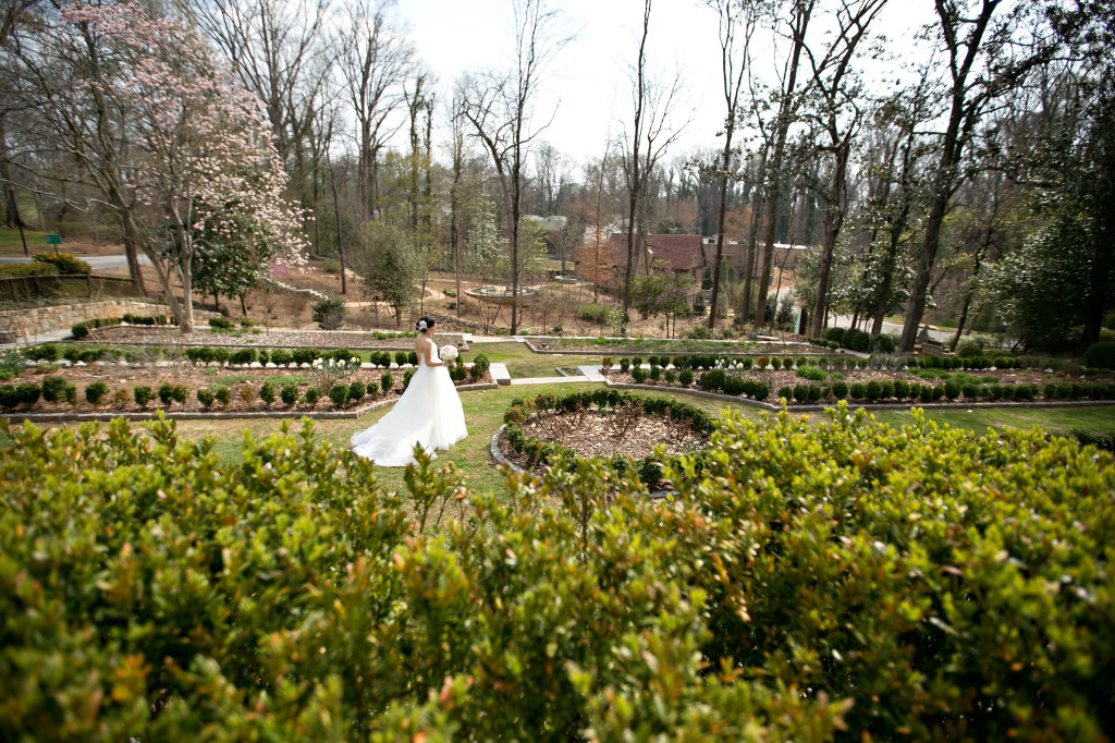outdoor wedding ceremony at Callanwolde Gardens Fine Arts center in Atlanta