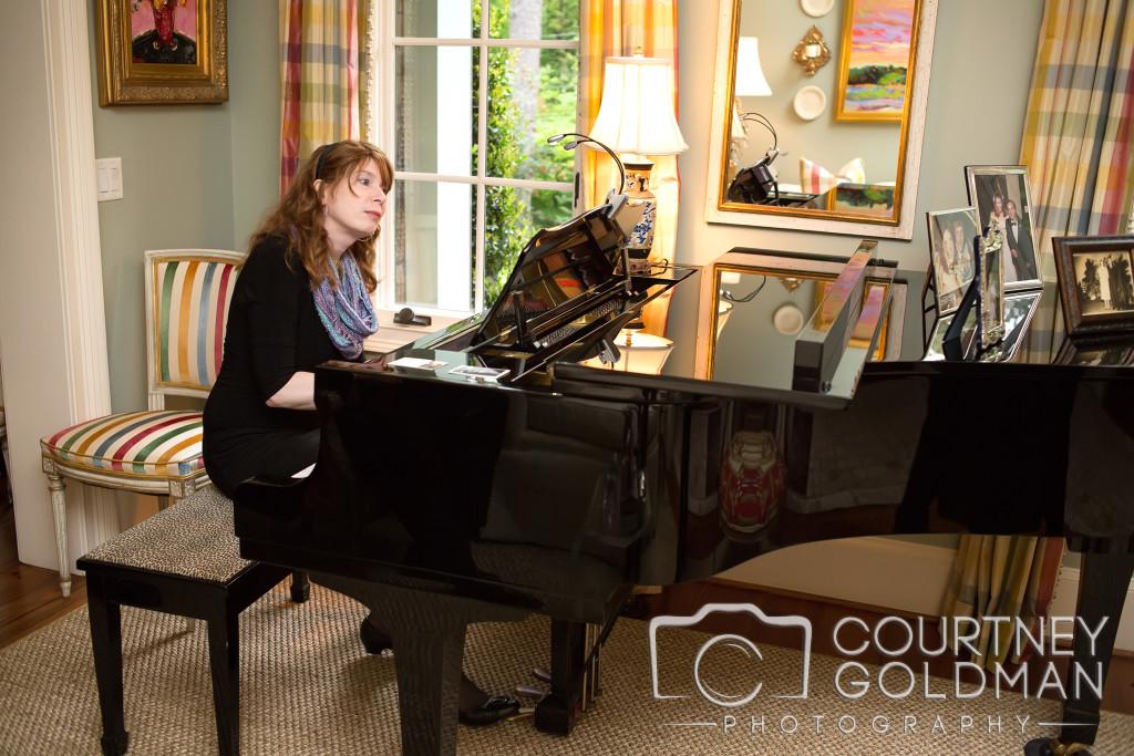 Atlanta Wedding Pianist Jennifer Blaske playing wedding cocktail hour music on the piano