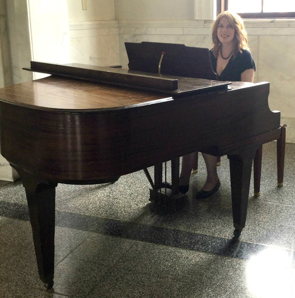 Pianist Jennifer Blaske at Historic Courthouse in Decatur